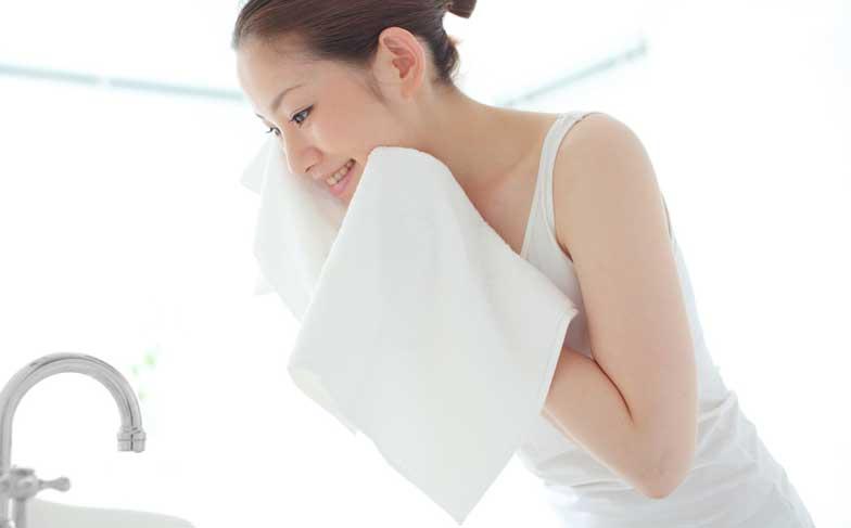 毛穴の正しい洗顔方法を徹底解説!間違った洗顔は毛穴トラブルの元に!?