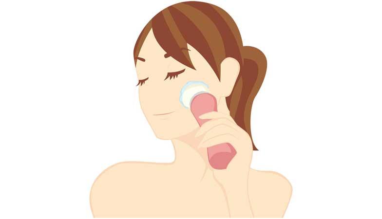 毛穴に洗顔ブラシってどう?余計に毛穴が広がる?メリットやデメリットは?