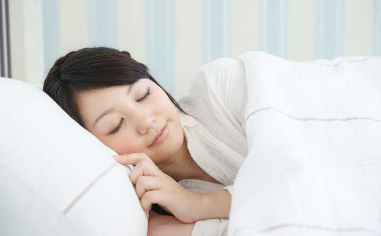 睡眠不足が毛穴の目立つ原因に?良質な睡眠をとる方法・コツは?